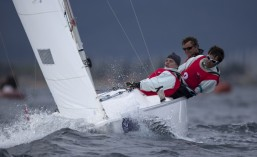 cropped-2013hyeres_isaf_equipagesonar.jpg